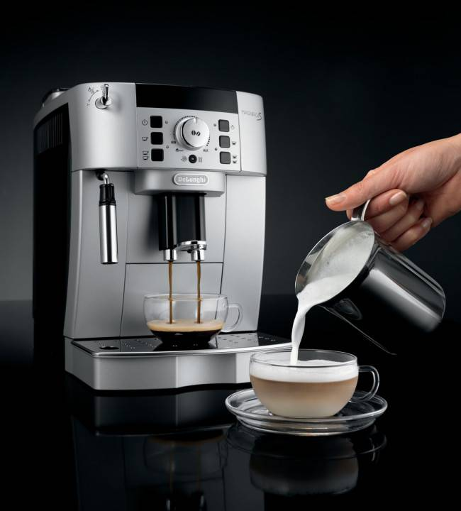 Delonghi ECAM22.110.SB Compact Bean To Cup Automatic ...